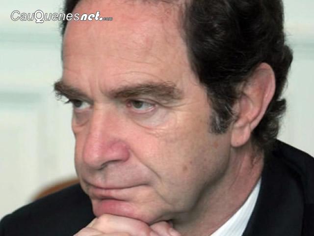Colegio de Periodistas rechazó hostigamiento de asesores de ministro Hernán Larraín a la prensa