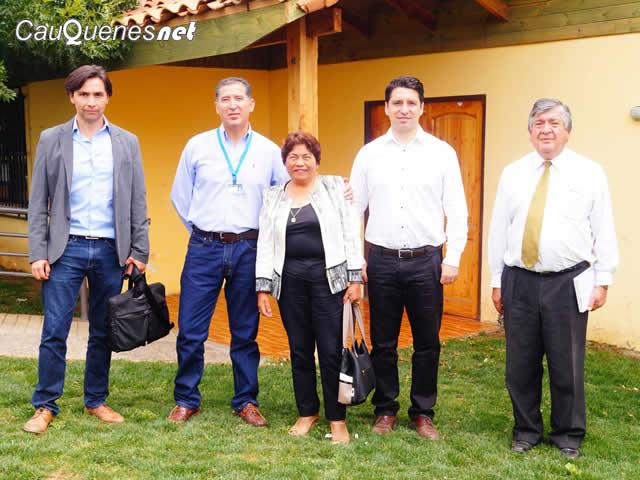 pelluhue-alcaldesa-y-delegacion-bancoestado-2017ene03-01-cqnet
