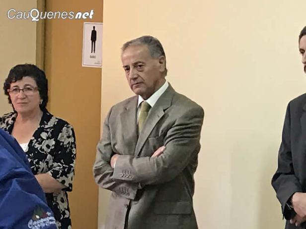 presentan-directores-liceos-03-cqnet