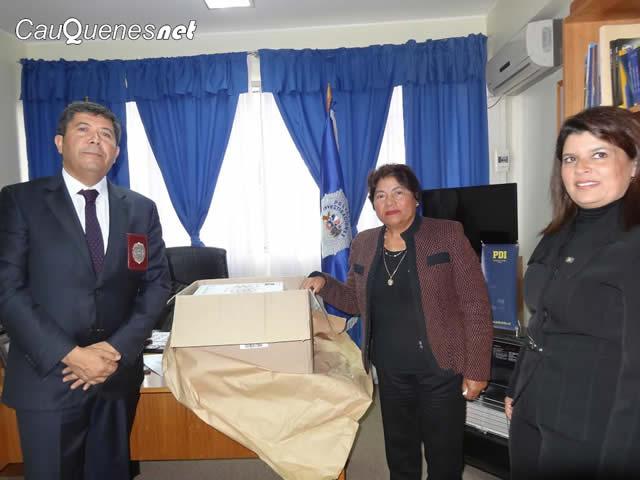 Alcaldesa pelluhue visita PDI 84 aniversario 01-cqnet