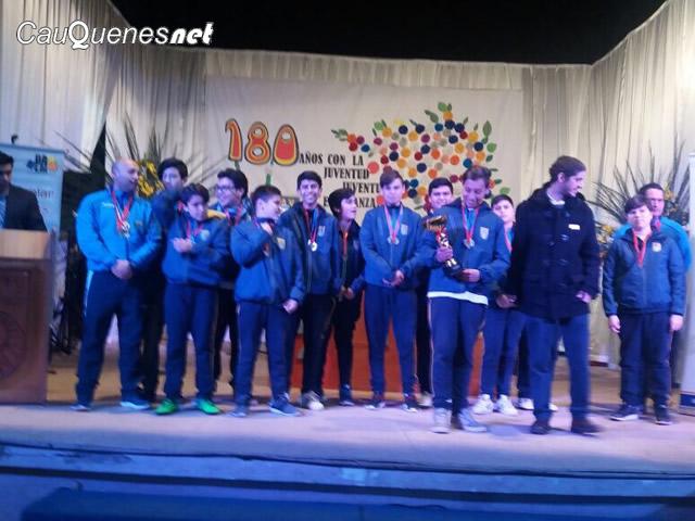 Deportistas cauqueninos premiados juegos escolares 2017 maule 02-cqnet