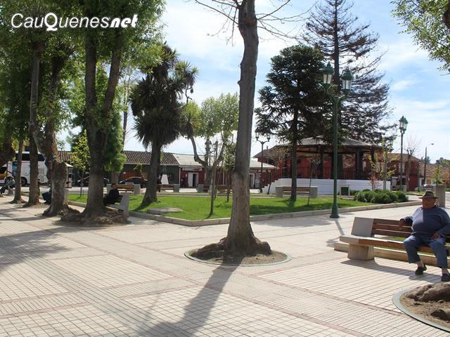 Chanco plaza armas remodelada 03-cqnet