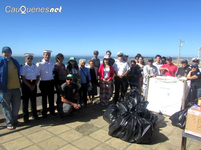 Pelluhue limpieza de playa 02-cqnet
