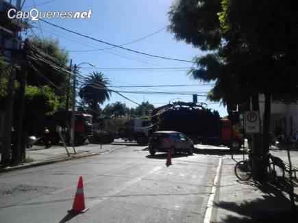 Camion corto cables centro 05ene18 02-cqnet