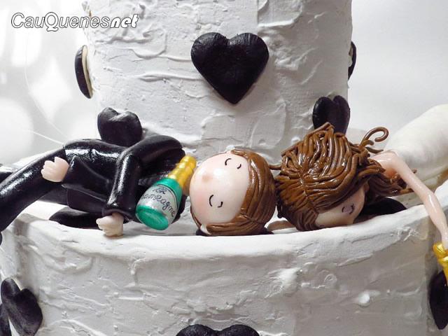 torta novios enfiestados 01-cqnet