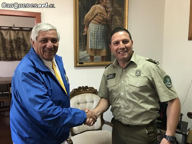 Carabinero Mayor Eduardo Insunza se reunio con alcalde feb2018 01-cqnet