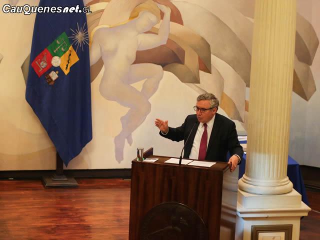 Ennio Vivaldi rector U de Chile 01-cqcl
