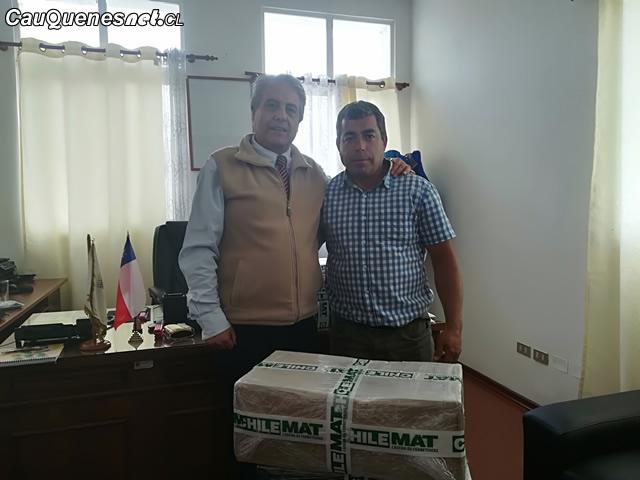 Gobernador Vignolo entrego herramientas a emprendedor 01-cqcl