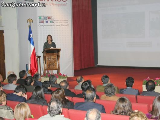 Alcaldesa Diaz cuenta pública Chanco 02-cqcl
