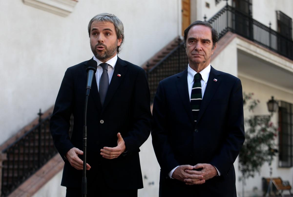 """Ministro Hernán Larraín repudió acción de Diputado Urrutia: """"Revela su desprecio a los DDHH"""""""