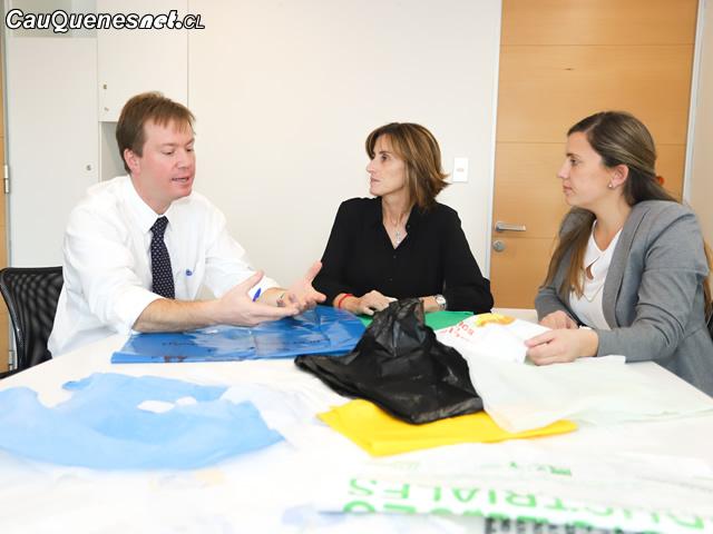 Ministra cubillos y bolsas plasticas 01-cqcl