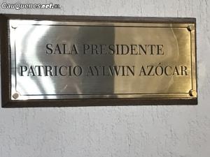 Placa Congreso sala Patricio Aylwin 01-cqcl