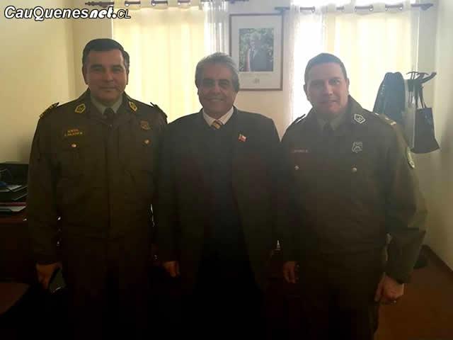 Gobernador y carabineros reunion 030518 01-cqcl