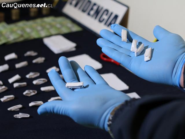 PDI decomisa 300 dosis cocaina y cannabis en parral 01-cqcl