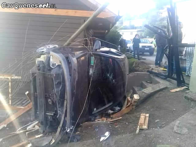 Accidente vehicular pelluhue 180618 01-cqcl