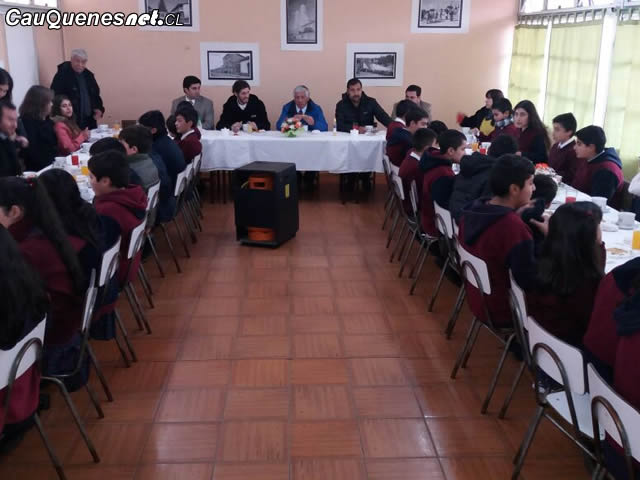 Escuela anibal Pinto desayuno con alcalde 01-cqcl