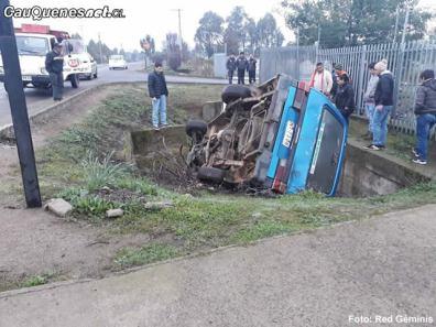 furgon volcado PRT cauquenes 290618 02-cqcl