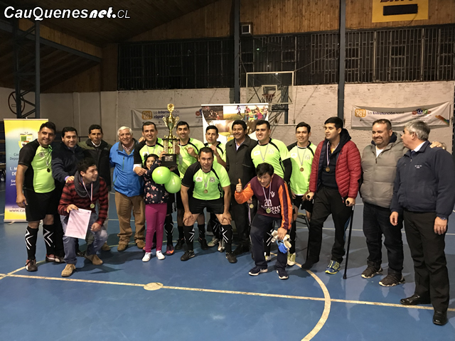 Carabineros de Cauquenes son los campeones de la liga laboral municipal futsal