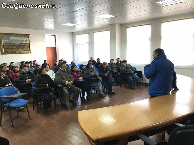 Trabajadores de la cajonera se reunieron con alcalde de Cauquenes