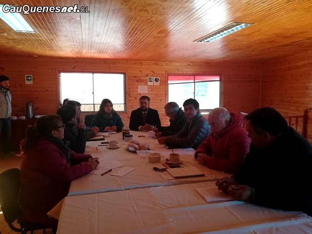 Gobernador Ruiz en concejo de Chanco 01-cqcl
