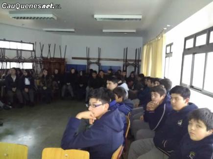 Sernapesca en Liceo de Pelluhue 02-cqcl