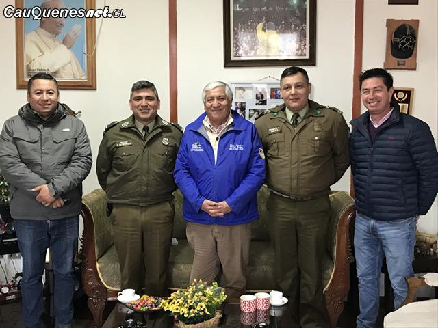 alcalde y carabineros por fiestas patrias 2018 01-cqcl