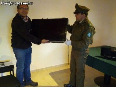 Carabineros de chanco devueklve articulos robados 200818 02-cqcl
