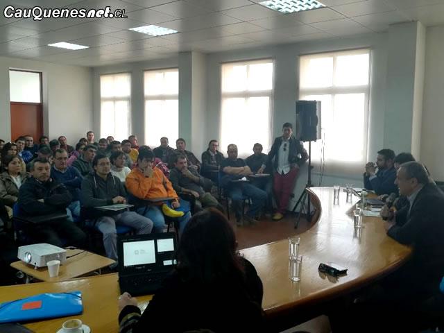 Cauquenes: Gobierno presentó alternativas de apoyo a trabajadores de La Cajonera