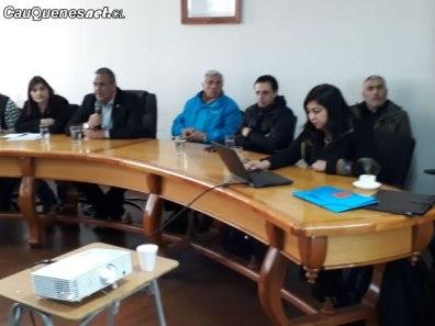 Trabajadores edelma con autoridades regionales 02-cqcl