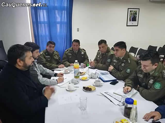 Carabineros y gobernador de cauquenes reunion 2018 sep 01-cqcl