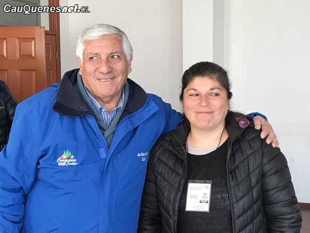 Alcalde y presidenta feriantes 221018 01-cqcl