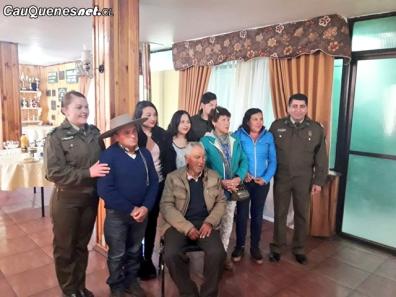 Carabineros cauquenes reencuentro familiar Cipriano Espinosa e hija 201018 02-cqcl