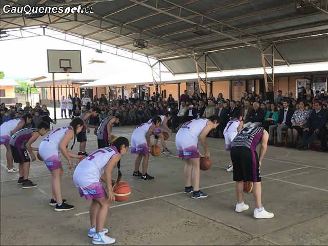 Cauquenes: Escuela de Porongo firma convenio de donación deportiva