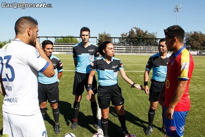 Independiente de Cauquenes venció por la mínima en primer partido profesional arbitrado por una mujer en Chile