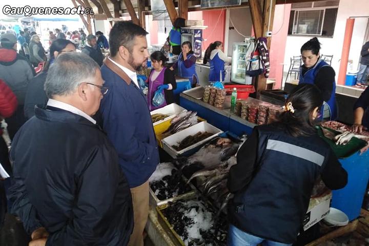 Intensas fiscalizaciones realizaron autoridades a Mercados de  mariscos y pescados en la Provincia de  Cauquenes
