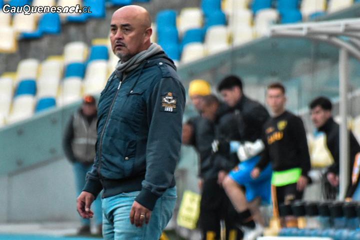 Luis Musrri y su cuerpo técnico renuncian a Independiente de Cauquenes