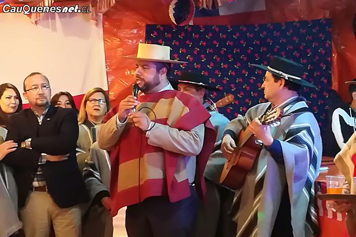 Gobernador de Cauquenes inauguró las fondas y ramadas de Chanco y Pelluhue