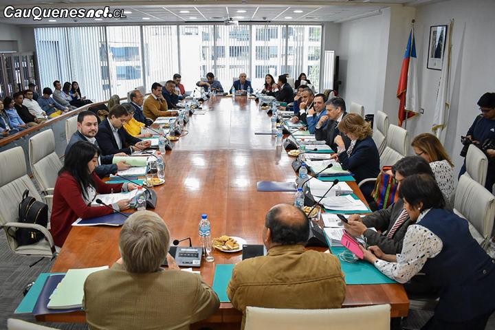 Millonario convenio entre el Gobierno Regional y Minvu mejorará los espacios públicos del Maule