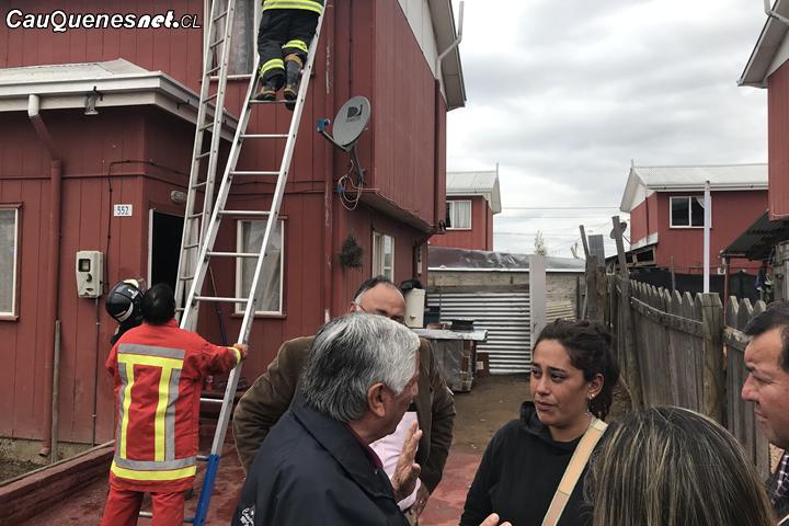 Cauquenes: Entregan ayuda a damnificados por incendio en Villa Las Palmeras