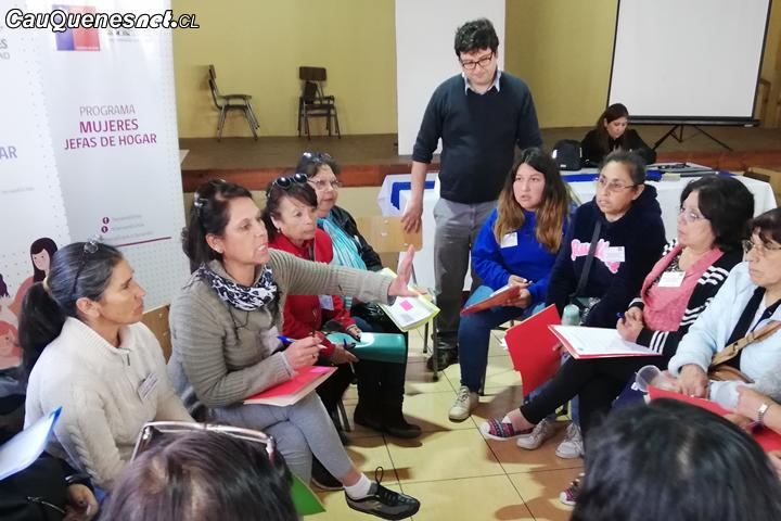 Realizaron encuentro intercomunal de Mujeres Jefas de Hogar en Curanipe