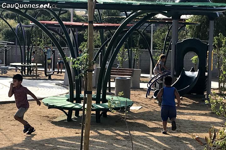 Cauquenes: En Población Fernández entregan plazoleta para San Marcos