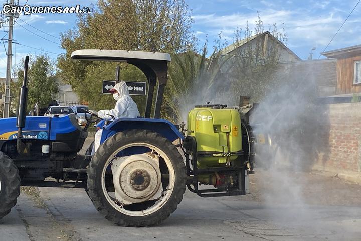En Cauquenes realizan la segunda desinfección masiva con apoyo de los agricultores locales