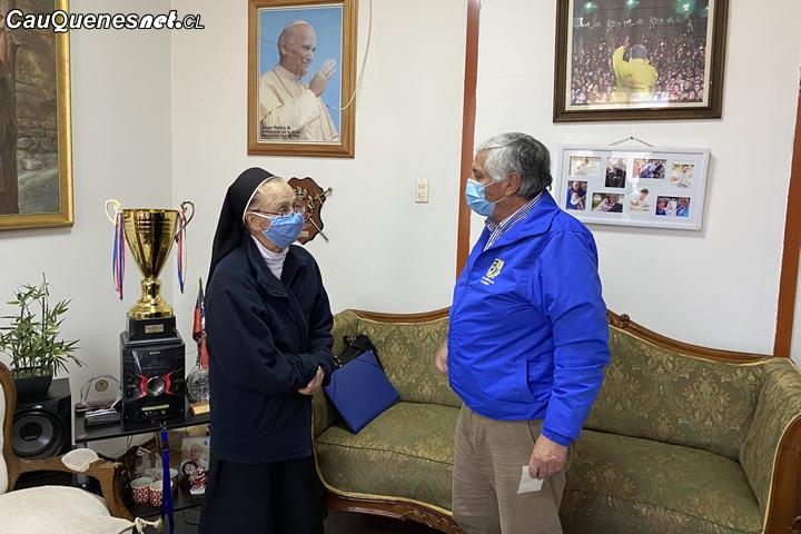 Hogar de ancianos Santa Teresa de Cauquenes recibió subvención municipal