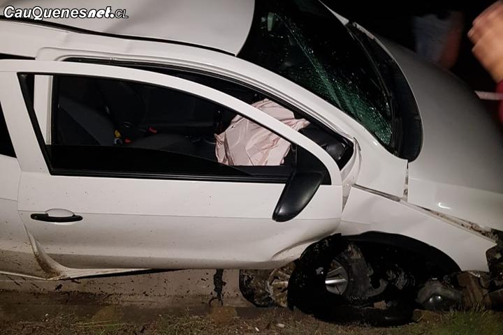 Cauquenes: Piedra gigante cayó sobre vehículo en ruta Los Conquistadores