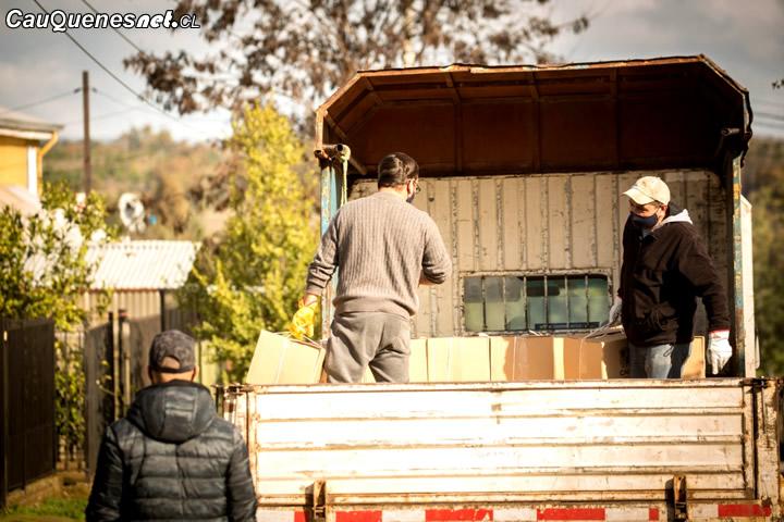 Municipio asegura que se continúa con la entrega de cajas de alimentos en Cauquenes