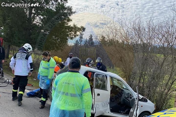 Cauquenes: Automóvil y camión chocaron en el camino a Molco