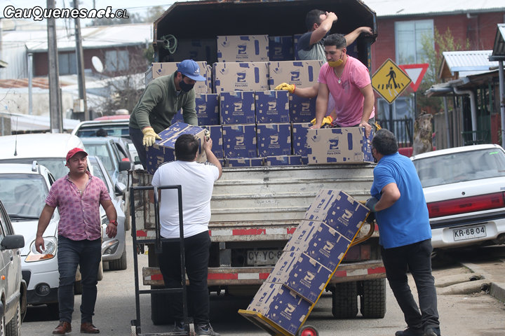 En Cauquenes continúa la entrega de ayuda social