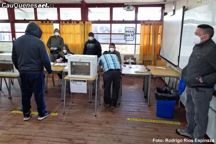 Gobierno, Ejército y Servel calificaron como exitosa participación de maulinos en el Plebiscito