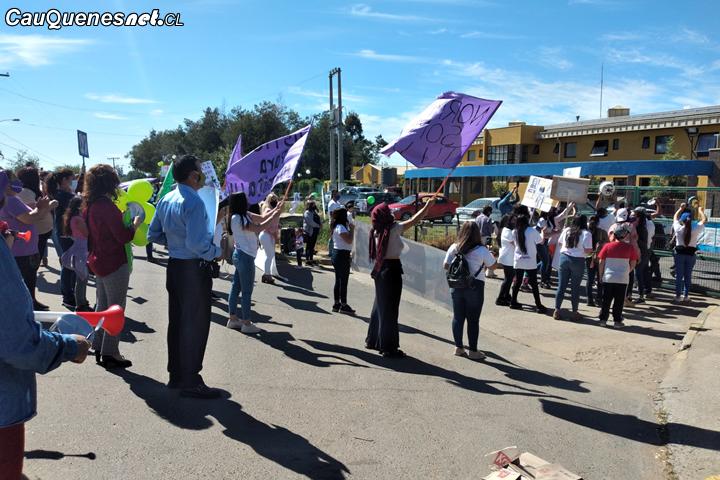 Manifestaciones en las afueras del CCP de Cauquenes en contra de beneficios de presunto asesino de Norma Vásquez