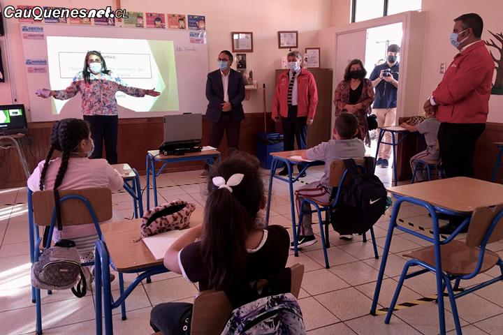 En Cauquenes autoridades dan inicio al año escolar con clases presenciales de alumnos